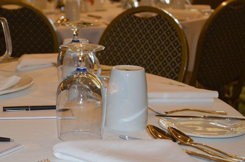 Инвесторы и девелоперы позавтракали в Каннах по-русски
