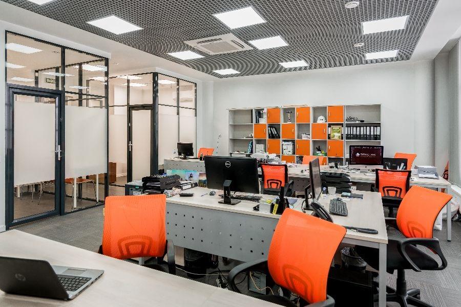 Деловое пространство бизнес-центра превратилось в съемочную площадку