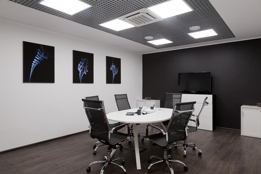 Классика в оформлении – брендирование офисов