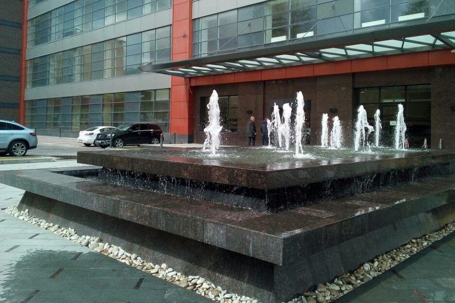 В деловом квартале «Сириус Парке» заработал фонтан